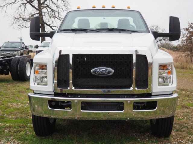 2019 F-750 Regular Cab DRW 4x2,  Cab Chassis #KDF01288 - photo 2