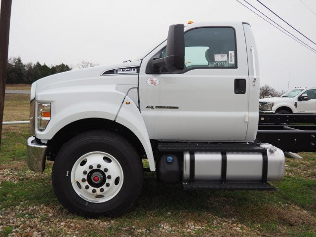 2019 F-750 Regular Cab DRW 4x2,  Cab Chassis #KDF01288 - photo 4