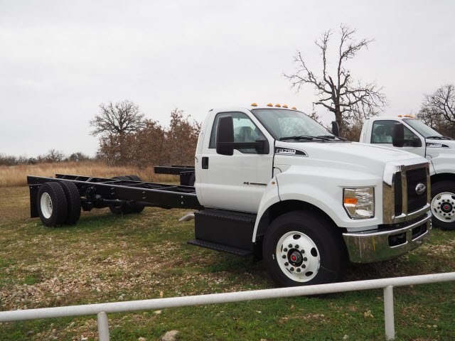2019 F-750 Regular Cab DRW 4x2,  Cab Chassis #KDF01289 - photo 4