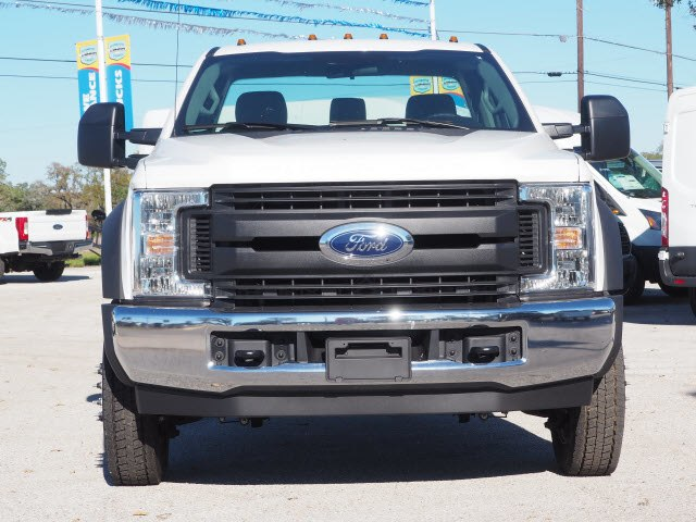 2019 F-450 Regular Cab DRW 4x2,  Cab Chassis #KEC47205 - photo 3