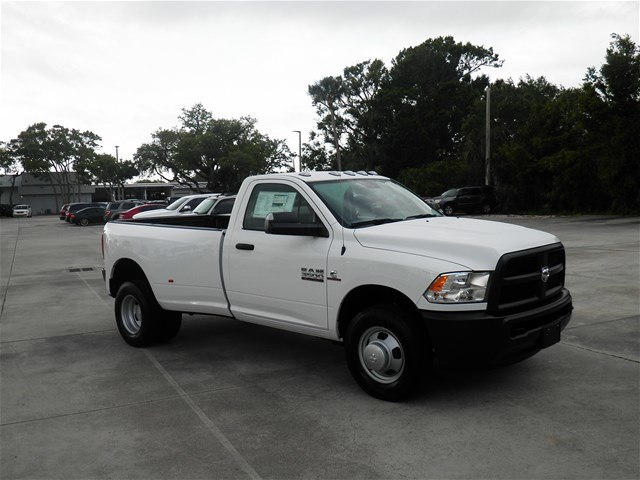 2018 Ram 3500 Regular Cab DRW 4x2,  Pickup #C18443 - photo 3