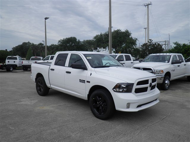 2018 Ram 1500 Crew Cab 4x2,  Pickup #C18632 - photo 3