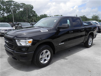 2019 Ram 1500 Crew Cab 4x2,  Pickup #C19039 - photo 1