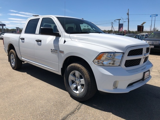 2018 Ram 1500 Crew Cab 4x4,  Pickup #CT18406 - photo 3