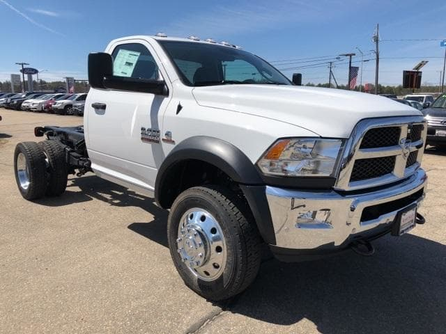 2018 Ram 5500 Regular Cab DRW 4x4,  Cab Chassis #CT18408 - photo 3