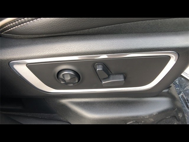 2019 Ram 1500 Crew Cab 4x4,  Pickup #CT19031 - photo 25