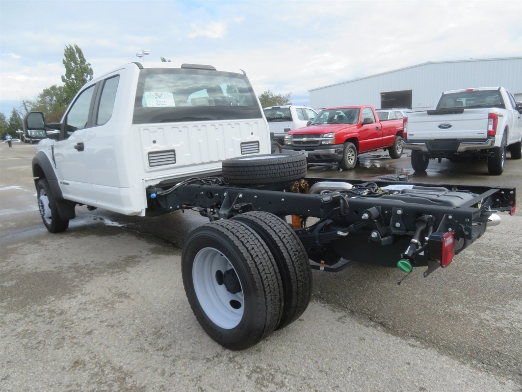 2018 F-450 Super Cab DRW 4x2,  Cab Chassis #F8349 - photo 2
