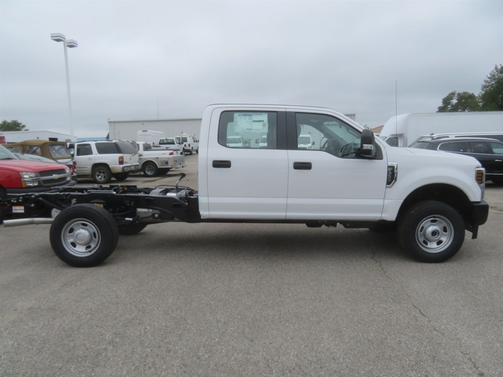 2019 F-350 Crew Cab 4x4,  Cab Chassis #F8358 - photo 3