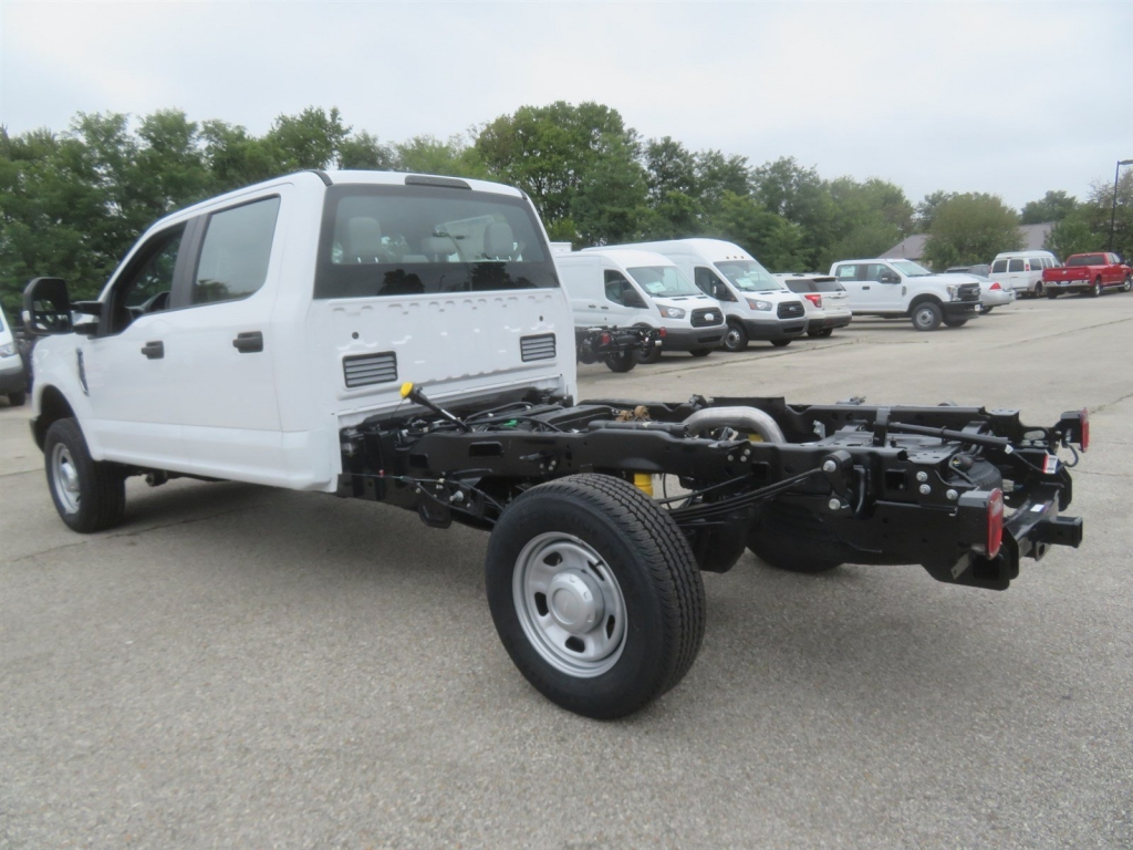 2019 F-350 Crew Cab 4x4,  Cab Chassis #F8358 - photo 4