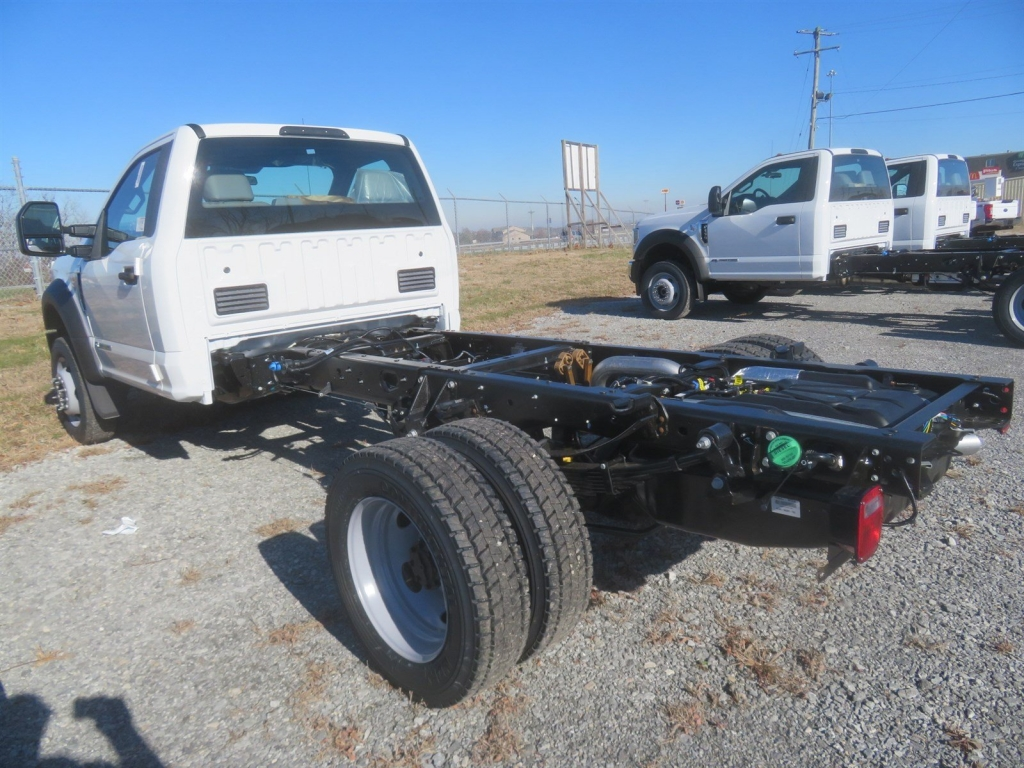 2019 F-550 Regular Cab DRW 4x4,  Cab Chassis #F8455 - photo 3