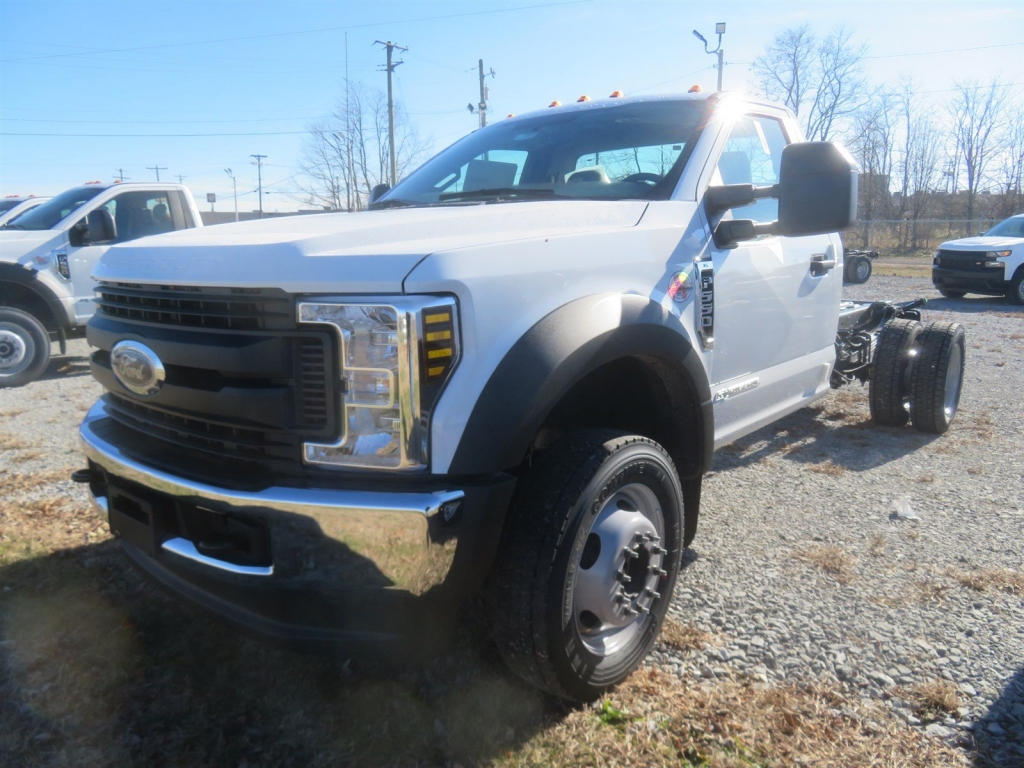 2019 F-550 Regular Cab DRW 4x4,  Cab Chassis #F8455 - photo 4