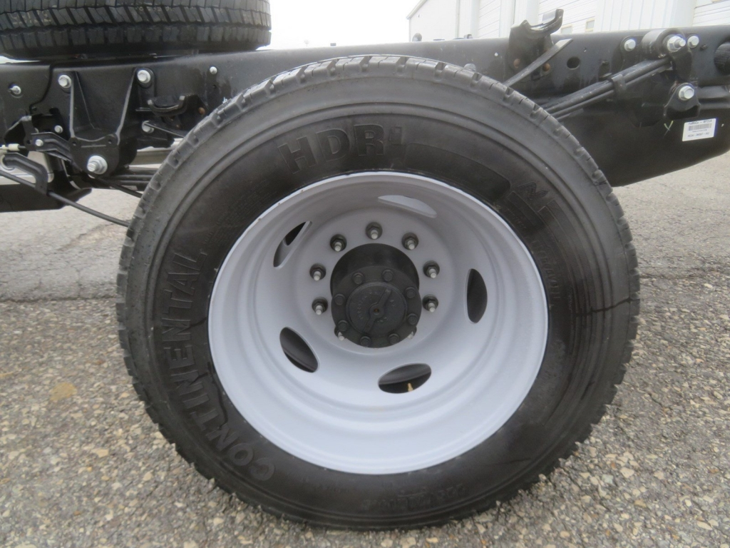 2019 F-550 Regular Cab DRW 4x4,  Cab Chassis #F8535 - photo 11