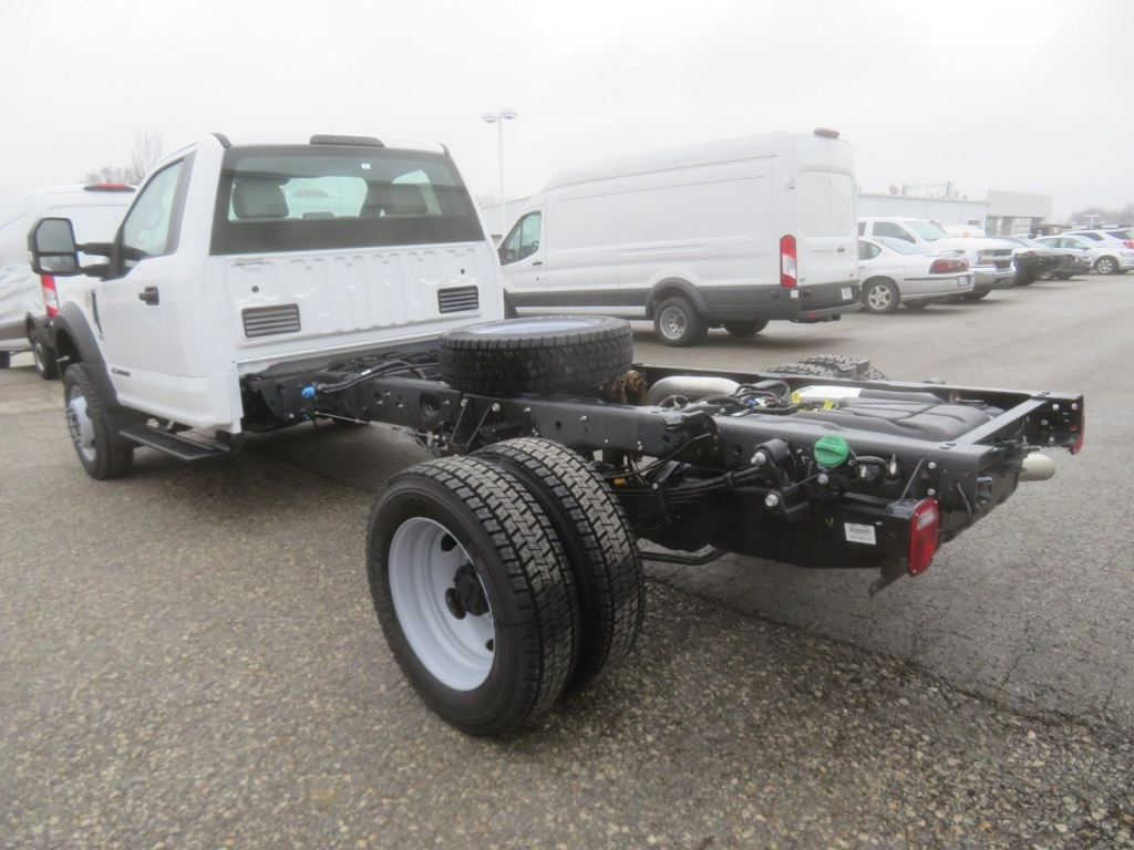 2019 F-550 Regular Cab DRW 4x4,  Cab Chassis #F8535 - photo 3