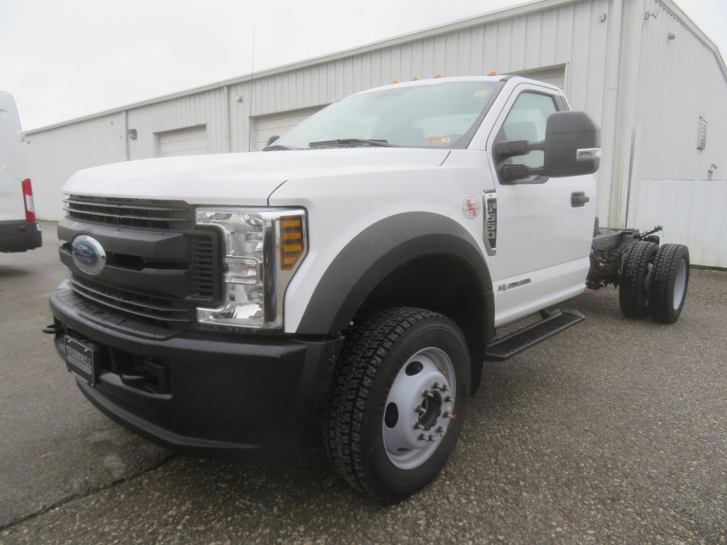 2019 F-550 Regular Cab DRW 4x4,  Cab Chassis #F8535 - photo 4