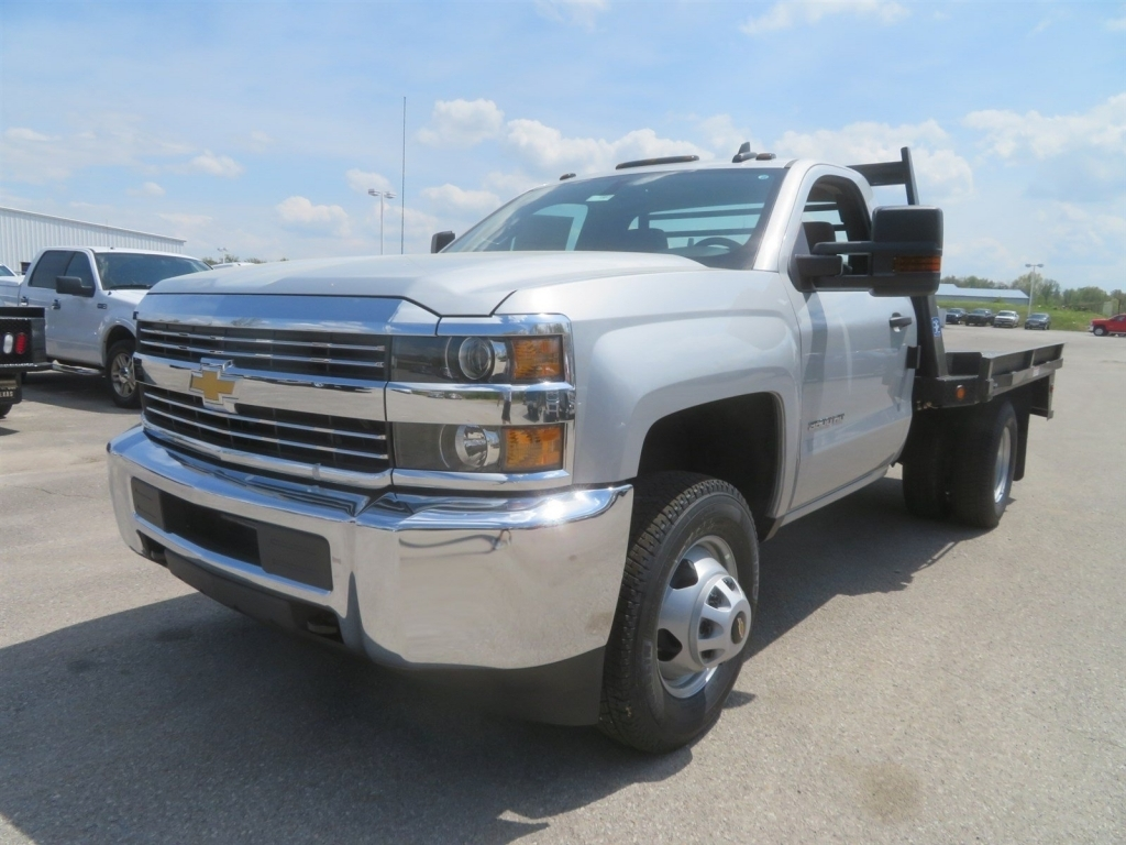 2018 Silverado 3500 Regular Cab 4x4,  Gooseneck Trailer Manufacturing Co. Platform Body #C1587 - photo 6