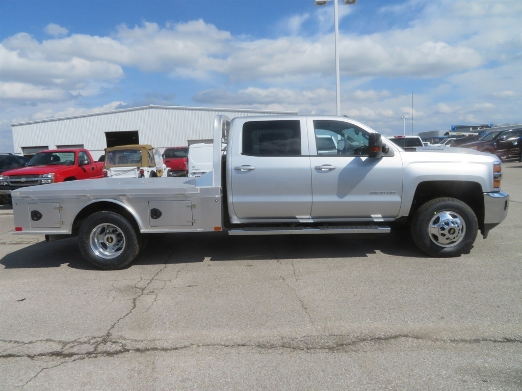 2018 Silverado 3500 Crew Cab 4x4,  CM Truck Beds AL SK Model Platform Body #C1648 - photo 3