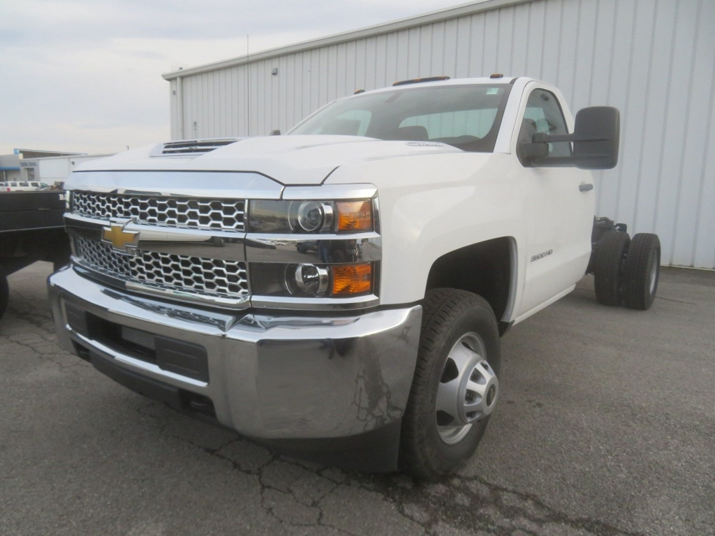 2019 Silverado 3500 Regular Cab DRW 4x4,  Cab Chassis #C2010 - photo 4