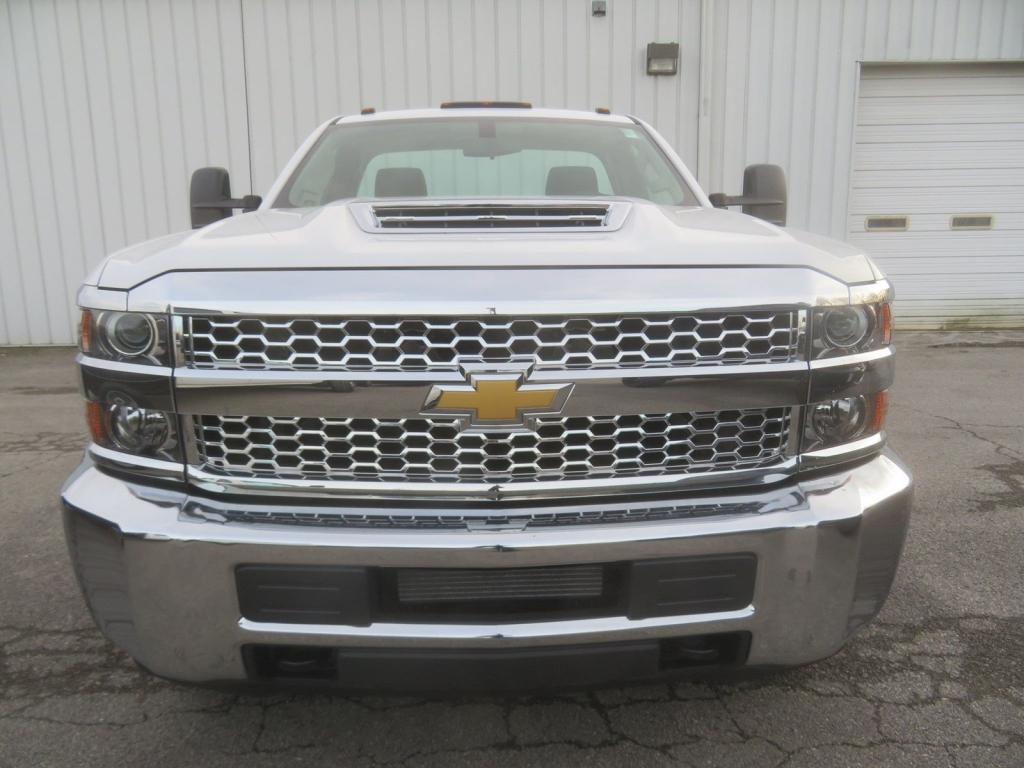2019 Silverado 3500 Regular Cab DRW 4x4,  Cab Chassis #C2010 - photo 5