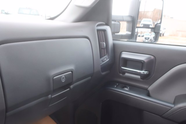 2020 Silverado Medium Duty Crew Cab DRW 4x2,  Monroe Truck Equipment Platform Body #C2896 - photo 20