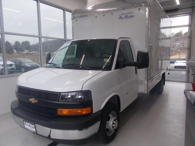 2018 Express 3500,  Bay Bridge Cutaway Van #C18147 - photo 4