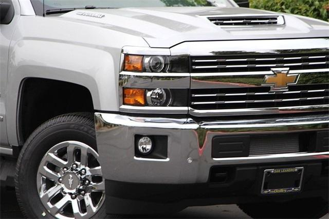 2019 Silverado 2500 Crew Cab 4x4,  Pickup #D30005 - photo 4