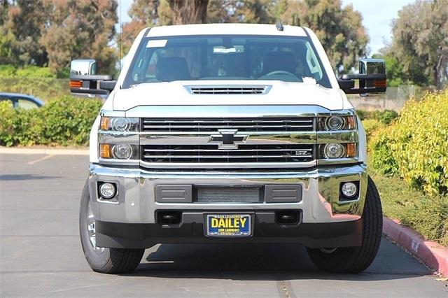 2019 Silverado 2500 Crew Cab 4x4,  Pickup #D30006 - photo 5