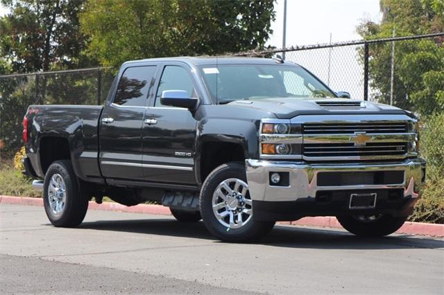 2019 Silverado 2500 Crew Cab 4x4,  Pickup #D30010 - photo 3