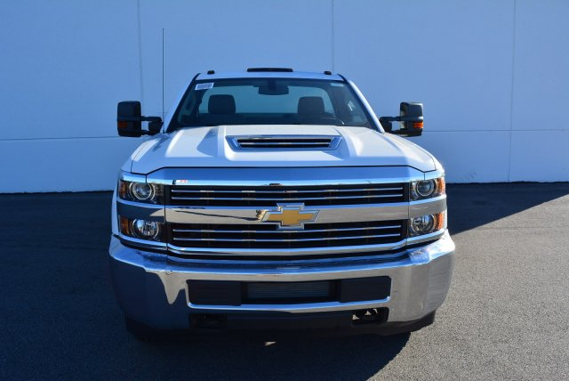 2017 Silverado 3500 Regular Cab DRW 4x4, Knapheide Service Body #T71333 - photo 4