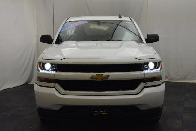 2018 Silverado 1500 Crew Cab 4x4,  Pickup #T80424 - photo 4