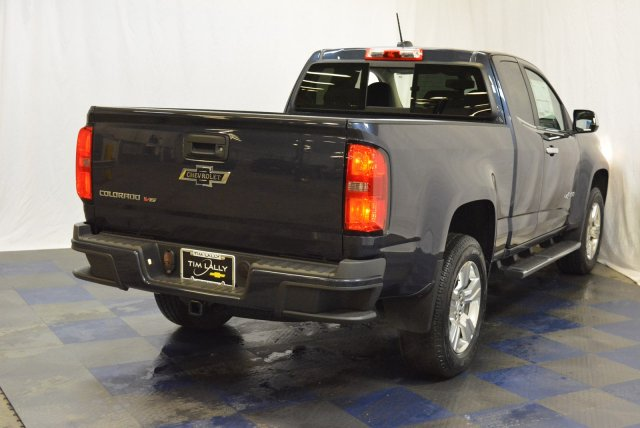 2018 Colorado Extended Cab 4x4,  Pickup #T80692 - photo 2
