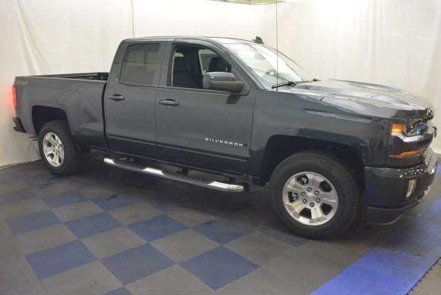 2018 Silverado 1500 Double Cab 4x4, Pickup #T80928 - photo 3
