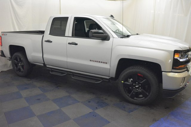 2018 Silverado 1500 Double Cab 4x4, Pickup #T81022 - photo 3
