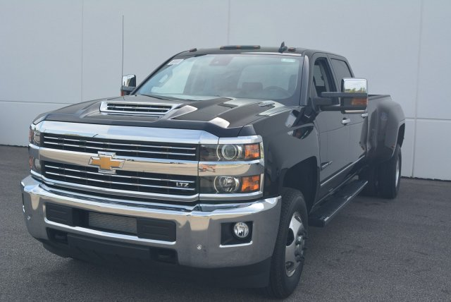 2018 Silverado 3500 Crew Cab 4x4,  Pickup #T81045 - photo 5