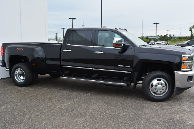 2019 Silverado 3500 Crew Cab 4x4,  Pickup #T90152 - photo 3