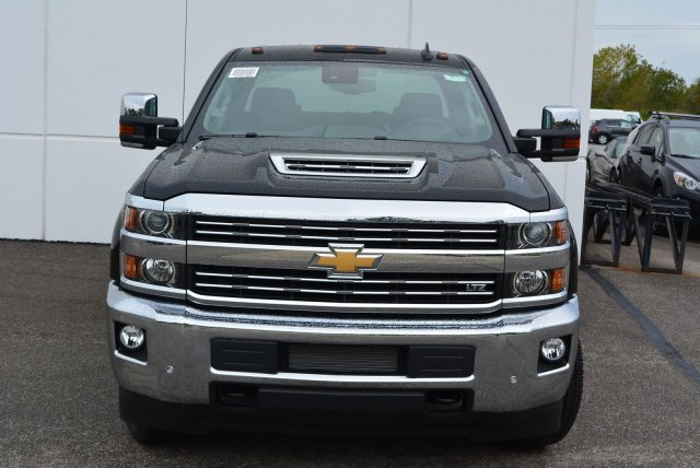 2019 Silverado 3500 Crew Cab 4x4,  Pickup #T90152 - photo 4