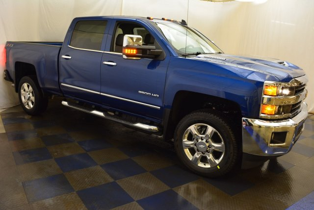 2019 Silverado 2500 Crew Cab 4x4,  Pickup #T90557 - photo 3