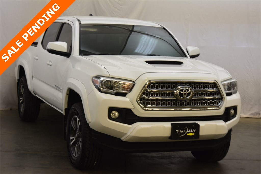 2017 Toyota Tacoma Double Cab 4x4, Pickup #T91156A - photo 1