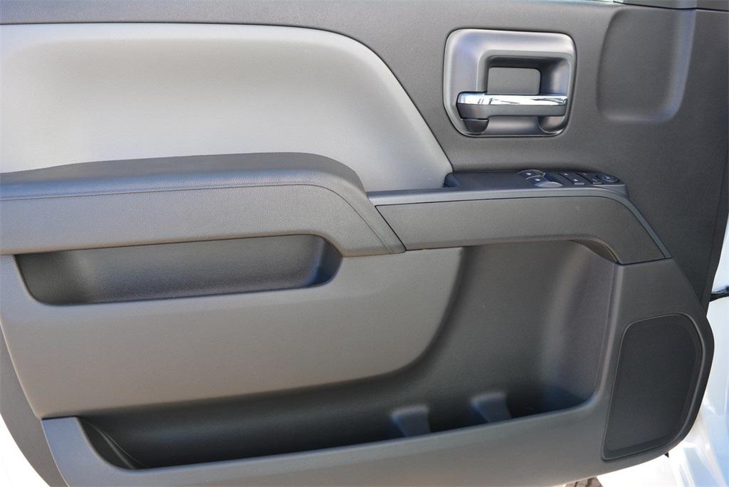 2019 Silverado 6500 Regular Cab DRW 4x2, Jerr-Dan Standard Duty Carriers Rollback Body #T91305 - photo 22
