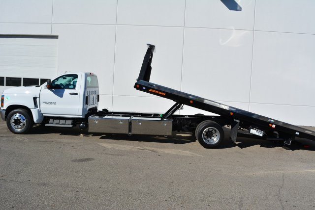 2019 Silverado Medium Duty Regular Cab DRW 4x2, Jerr-Dan Standard Duty Carriers Rollback Body #T91305 - photo 17