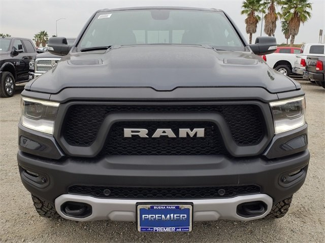 2019 Ram 1500 Crew Cab 4x4,  Pickup #KN697277 - photo 3