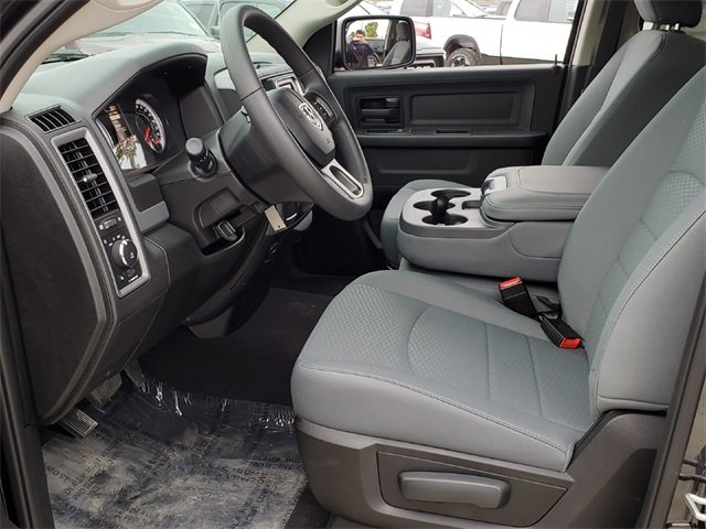 2019 Ram 1500 Quad Cab 4x2,  Pickup #KS514719 - photo 6