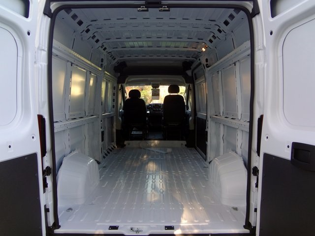 2018 ProMaster 2500 High Roof, Cargo Van #R5452 - photo 2