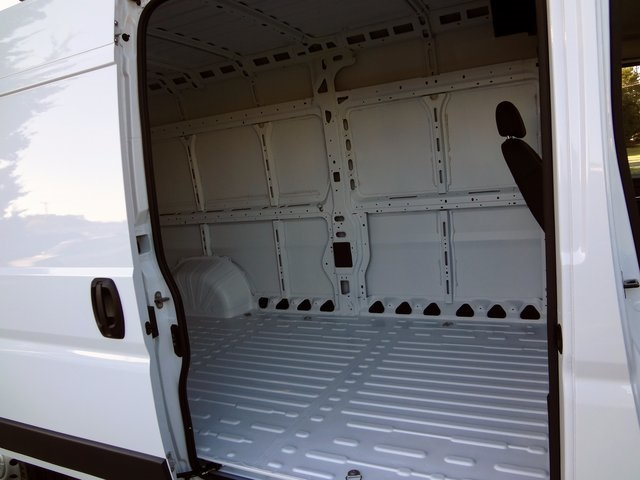 2018 ProMaster 2500 High Roof FWD,  Empty Cargo Van #R5452 - photo 17