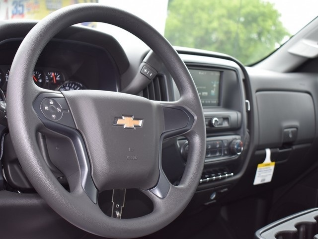 2018 Silverado 2500 Regular Cab 4x4,  Chevrolet Pickup #C180350 - photo 10