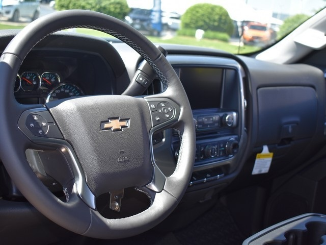 2018 Silverado 1500 Crew Cab 4x4,  Pickup #C181055 - photo 8