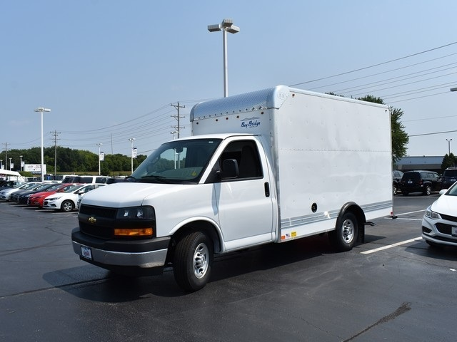 2018 Express 3500 4x2,  Cutaway Van #C181335 - photo 4