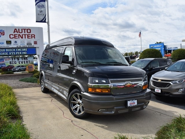 2018 Express 2500 4x2,  Passenger Wagon #C181412 - photo 3