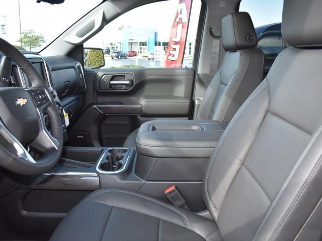 2019 Silverado 1500 Crew Cab 4x4,  Pickup #C190302 - photo 11