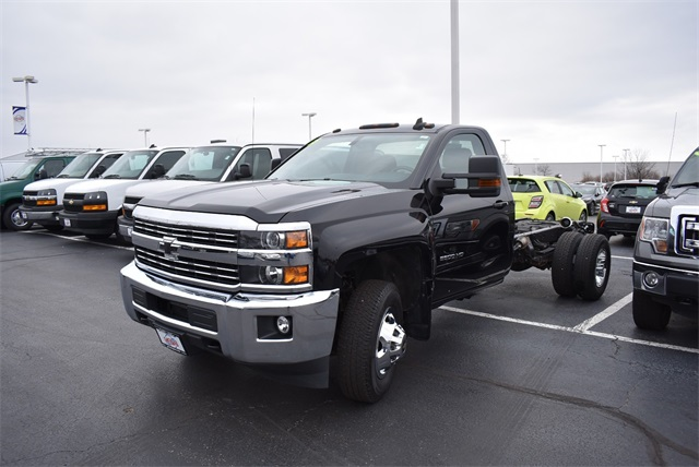 2015 Silverado 3500 Regular Cab DRW 4x4,  Cab Chassis #CP6298 - photo 5