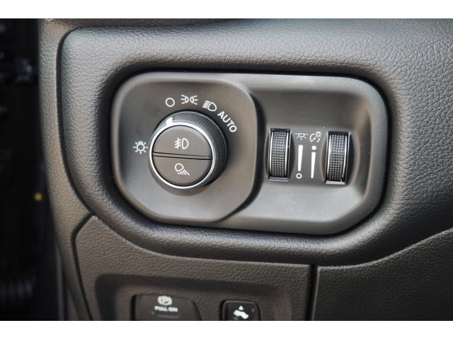 2019 Ram 1500 Crew Cab 4x4,  Pickup #17777 - photo 30